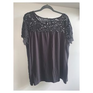 Gorgeous grey lace top from Torrid 2x
